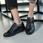 Дамски обувки от естествена кожа и криспи кожа допълнена от ефектни люспи с модерно ходило-1552
