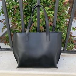 Ежедневна черна дамска чанта от еко кожа с несесер с дълги дръжки и портмоне-1679