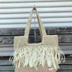 Дамска плетена чанта с интересно плетиво в неутрален цвят-8279