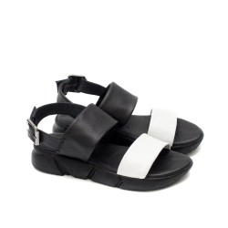 Дамски ежедневни сандали от естествена кожа в комбинация от бял и черен цвят на олекотено ходило-1726