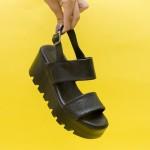 Модерни дамски сандали от естествена кожа и акцент-змийски мотив на удобно високо набраздено ходило-1732