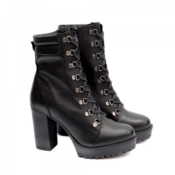 Дамски боти от естествена кожа в черно с платформа и висок ток-1404