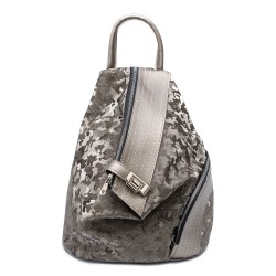 Дамска ежедневна раница от еко кожа с интересен дизайн в сив цвят и камуфлаж-1317