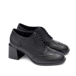 Черни дамски официални обувки с широк модерен ток от естествена кожа и връзки-1775