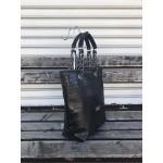 Българска дамска чанта от еко кожа в черно с кроко мотив-1444