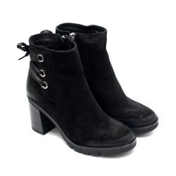 Черни дамски боти от естествен велур на висок ток с цип-1032