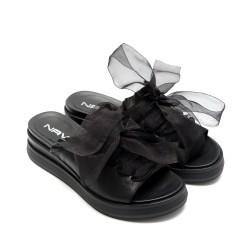 Дамски черни чехли от естествена кожа с панделка- 846