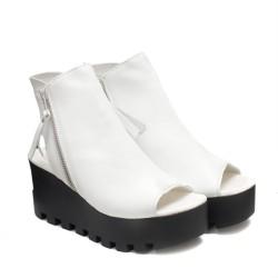 Ежедневни дамски сандали в бяло от естествена кожа-857