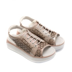 Дамски сандали от естествена кожа в цвят пудра с перфорация цветя и връзки-832
