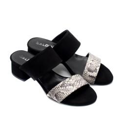 Дамски летни чехли на нисък ток от естествен велур в черно и змийски принт-829