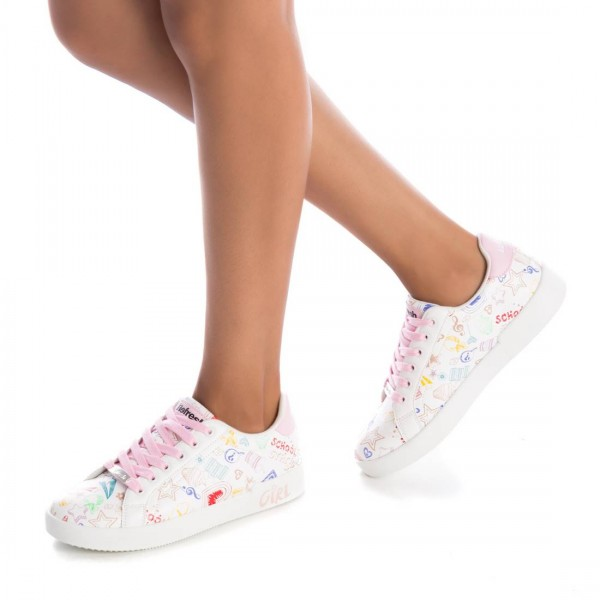 Дамски обувки Refresh в бяло с модерен дизайн-1189