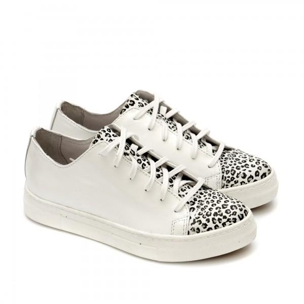 Дамски обувки от естествена кожа в бял цвят с животиснки принт-1224