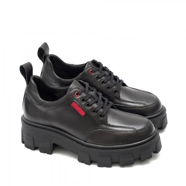 Ежедневни дамски обувки от естествена кожа в черен цвят и връзки с олекотено ходило с широк ток-746