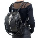Модерна дамска раница в черен цвят от еко кожа и метални широки ципове-3-1590