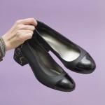 Дамски елегантни обувки от естествена кожа и лак в черен цвят и змийски мотив-1599