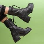 Дамски ефектни боти от естествена кожа на модерно ходило в черен цвят-1849