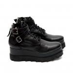 Дамски обувки от естествена кожа на платформа черни с катарами - 389