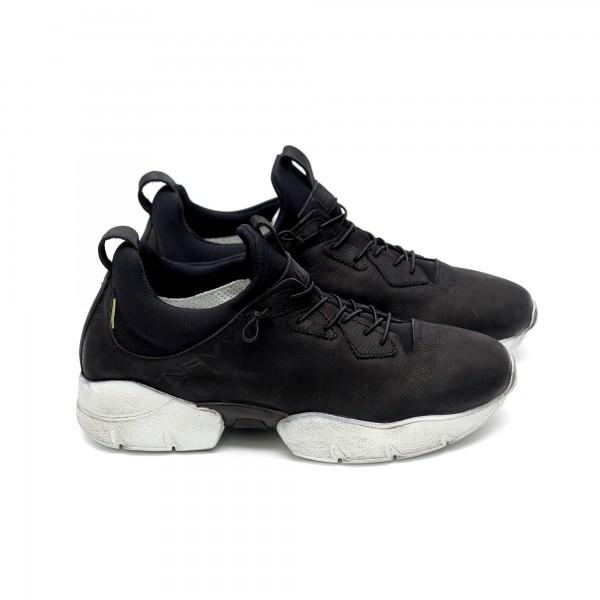 Дамски  спортни обувки от естествена кожа с ластик черни - 390