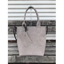 Дамска чанта от еко кожа в бежов цвят-