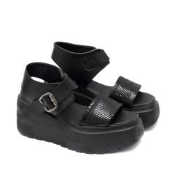 Дамски сандали от естесвена кожа в черен цвят на платформа-1998