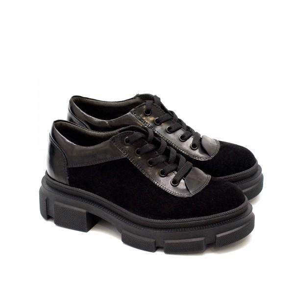 Дамски обувки от естествена кожа, велур и лак в черен цвят с връзки на модерно ходило-1755