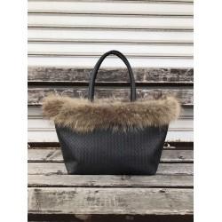 Зимна дамска чанта от еко кожа в черен цвят с естествен пух от лисица-1471-1