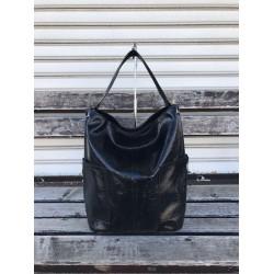 Дамска лачена чанта от еко кожа с модерен дизайн-