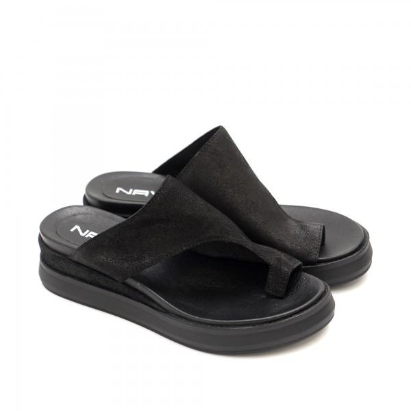Дамски чехли от естествена кожа в черен цвят-1296