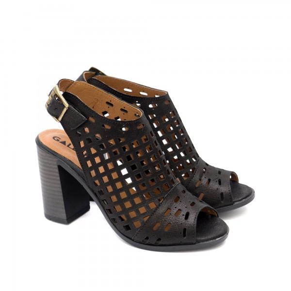 Класически дамски сандали от естествена кожа в черно-1299