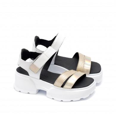 Дизайнерски дамски сандали от естествена кожа в бял цвят, лачена огледална кожа и златист състарен ефект на модерно ходило-1683