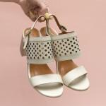 Дамски елегантни сандали от естествена кожа в бежов цвят-1675