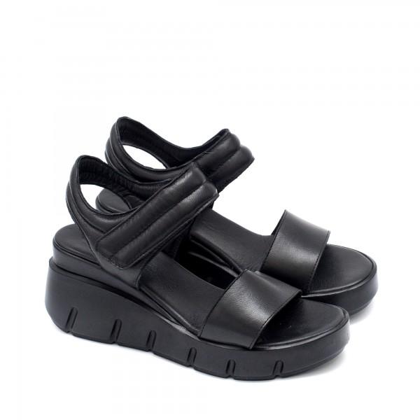 Дамски сандали от естествена кожа в черен цвят с изчистен дизайн на удобно ходило-1337