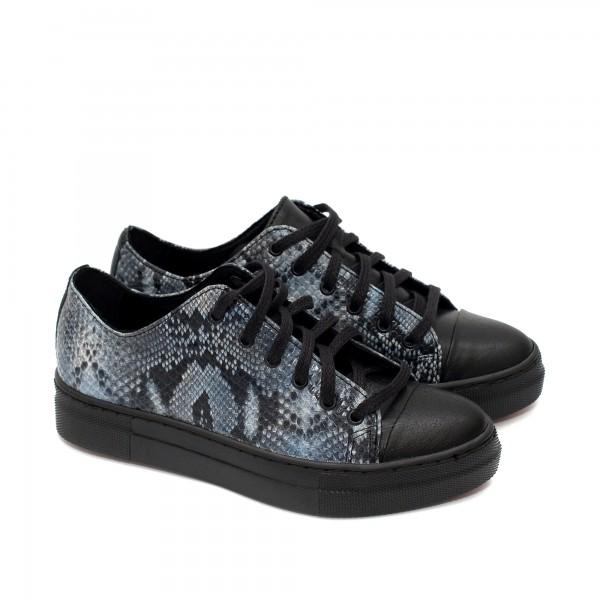 Пролетни български обувки от естествена кожа в черно и синя змия-1539