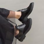 Ежедневни дамски обувки от естествена кожа в черен цвят и велур с дантела и широк ток-1530
