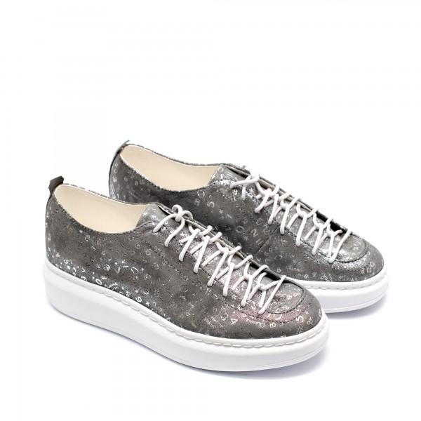 Дамски обувки на ниска платформа от естествена кожа в сиво и сребристо-768