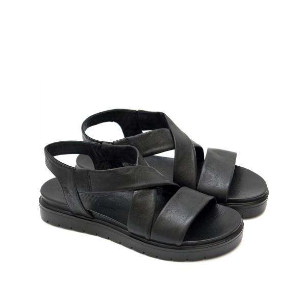 Дамски ежедневни сандали от естествена кожа в черно с кръстосани каишки-1274