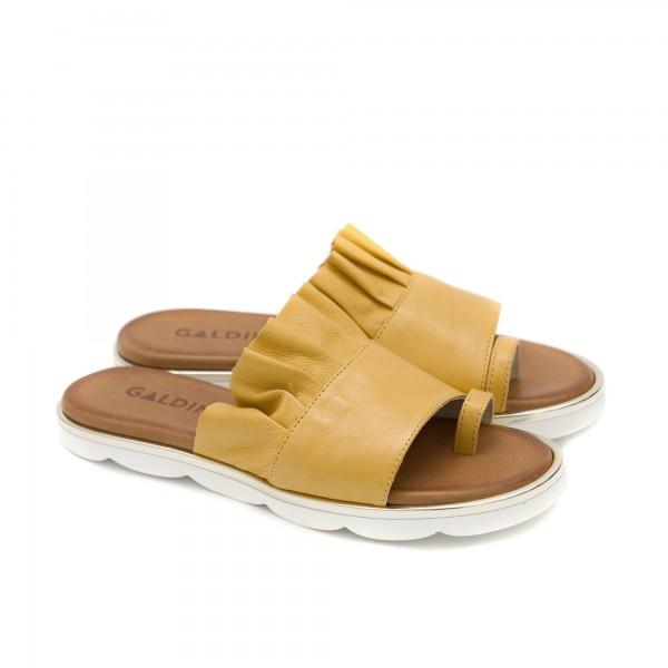 Дамски чехли от естествена кожа в цвят горчица-1269