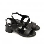 Черни дамски сандали от естествена кожа с ефектно закопчаване-837