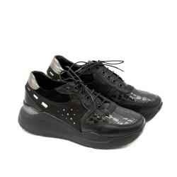Черни дамски маратонки от естествена кожа и лак с модерно ходило-1146