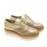 Златни обувки от естествена кожа с промазан детайл и връзки-1149