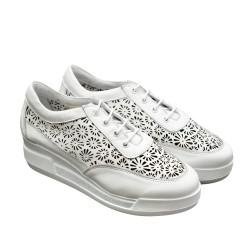 Дамски летни обувки в бяло от естествена кожа-804