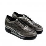 Летни дамски обувки на ниска платформа от естествена кожа в графитено сиво-803