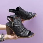 Дамски стилни сандали от естествена кожа в черен цвят и удобен широк ток-1637