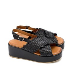 Черни дамски сандали от естествена кожа на средна платформа-1641