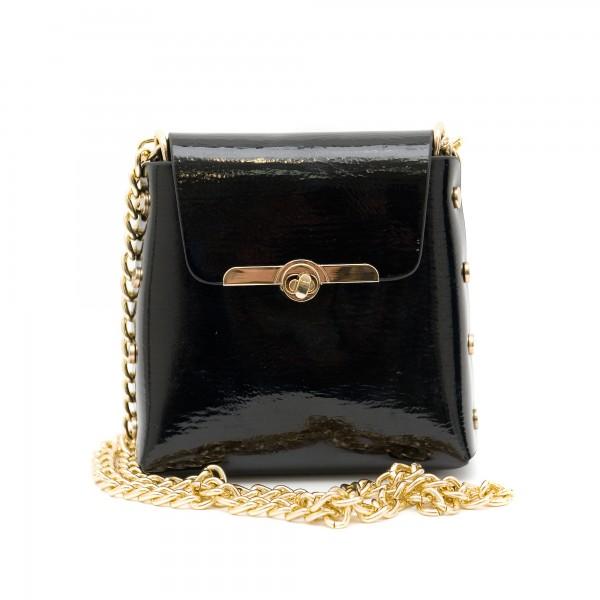Черна малка дамска чанта от еко лак-137