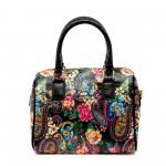 Дамска чанта черен еко лак с флорални мотиви-1157