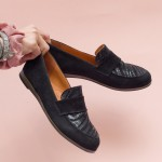 Дамски равни обувки от естествен велур в черен цвят-1559