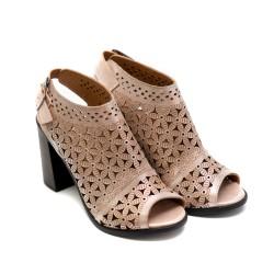 Дамски сандали от естествена кожа в пудра с ефектна перфорация - 862