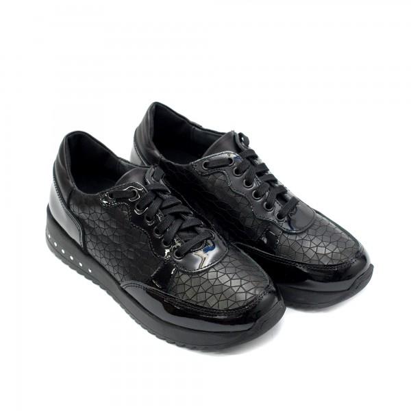 Черни дамски маратонки в черно кроко от естествена кожа и лак-929