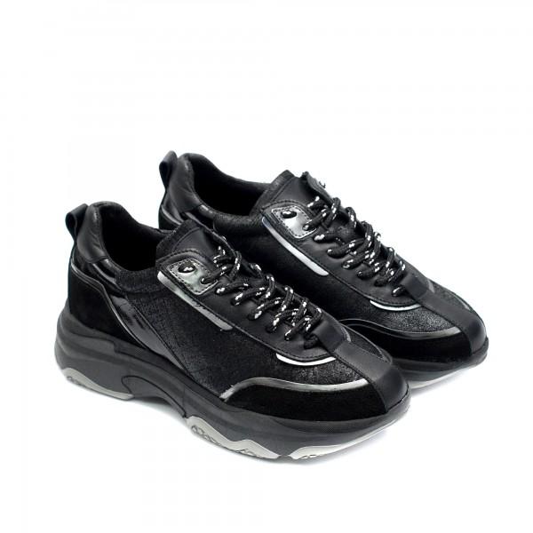 Дамски маратонки от естествена кожа и набук в черно със сребристи елементи-939